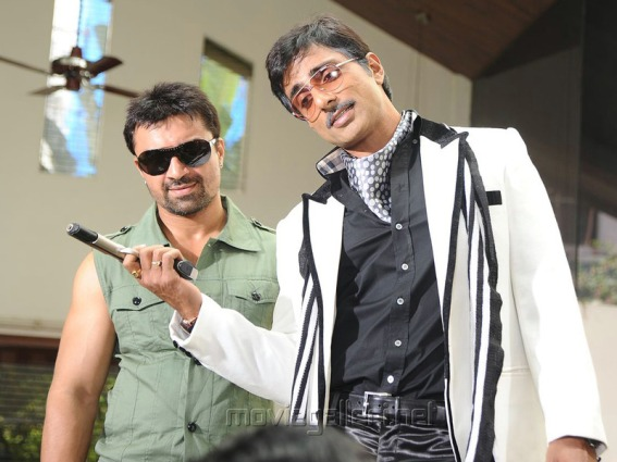 Ajaz Khan, Sonu Sood in Athiradi Vettai Tamil Movie Stills
